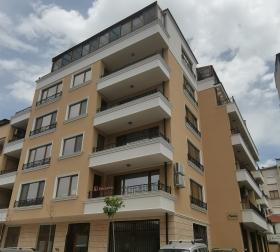 Сграда в центъра на Бургас построена срещу обезщетение